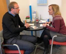 Tim Henning und Isabel Haberkorn im Gespräch