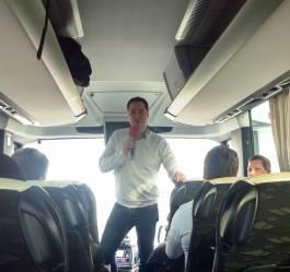 Dr. Martin Setzkorn vom ZfE im Tourbus